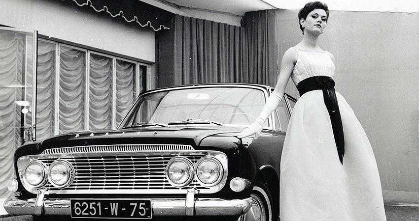 Ford Zodiac 1962 avec une robe conçue par Jacques Heim