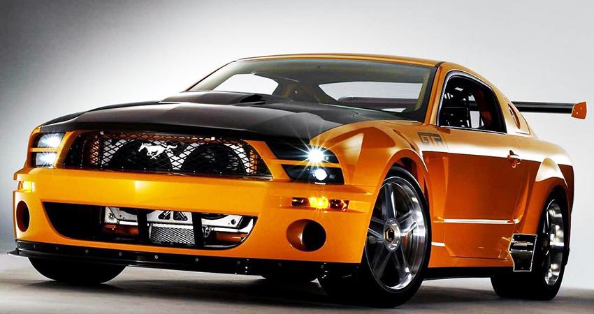 La Ford Mustang GT-R Concept 2004, équipée d'un moteur V8 4,6 l