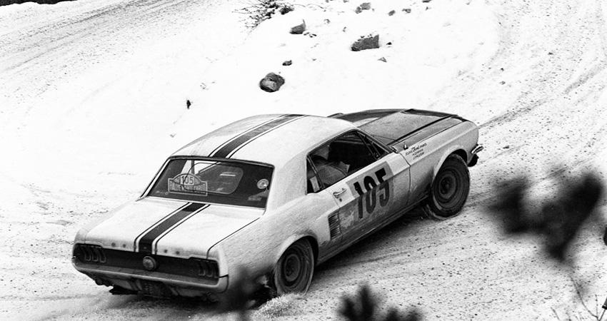 La Ford Mustang n°105 de Johnny Hallyday au Rallye de Monte-Carlo en 1967