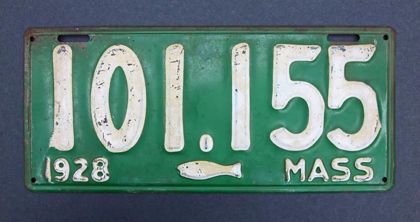Une morue sur une plaque d'immatriculation de 1928 dans le Massachussetts
